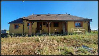 Maison contemporaine LACASSAGNE 150 m² ()