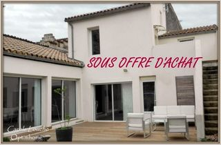 Maison de village SAINT LAURENT D'AIGOUZE 130 m² ()