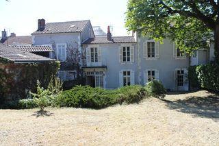 Maison bourgeoise PERIGUEUX 330 m² ()