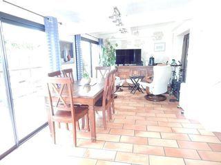 Appartement en rez-de-jardin FLOIRAC 92 m² ()