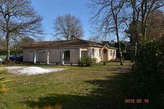 Maison SAINT MORILLON 130 m² ()