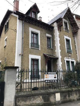 Maison de ville AIX LES BAINS 248 m² ()