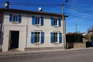 Maison de village MOGNEVILLE 210 m² ()