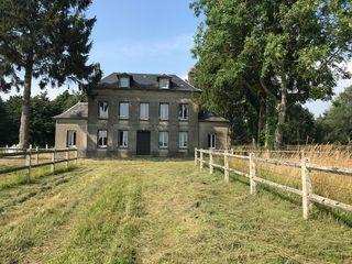 Maison de caractère BOURG ACHARD 150 m² ()
