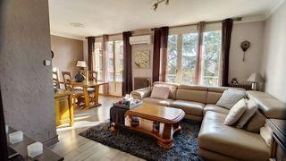 Appartement LYON 8EME arr 72 m² ()