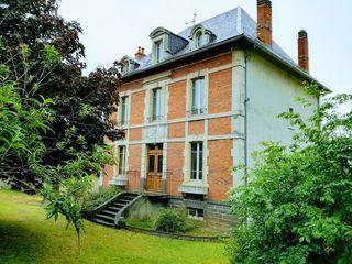 Maison ISSOIRE 160 m² ()