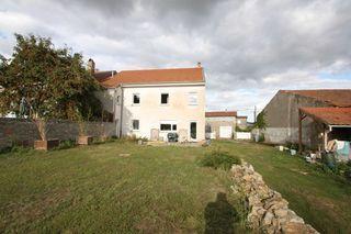 Maison de village SOLGNE 270 m² ()