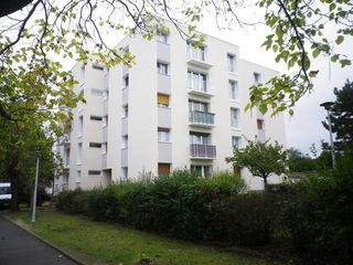 Appartement CHATELLERAULT 73 m² ()