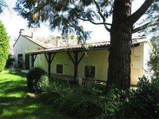 Maison de village CHARRAS 120 m² ()