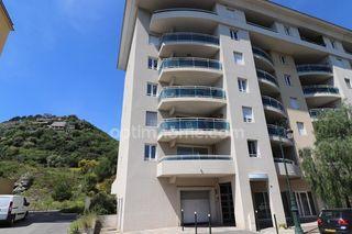 Appartement en résidence BASTIA 74 m² ()