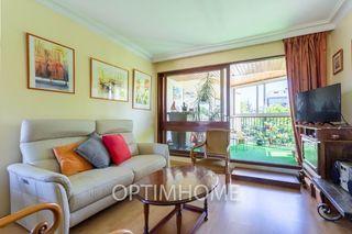 Appartement en résidence LE CHESNAY 76 m² ()
