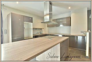 Maison de caractère SCORBE CLAIRVAUX 285 m² ()