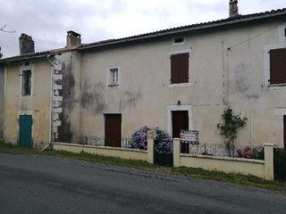 Maison à rénover CHANTERAC 100 m² ()