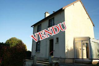 Maison DOUZY 88 m² ()