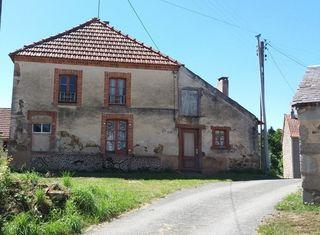 Maison de village FLEURAT 69 m² ()