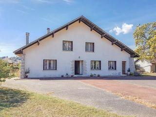Villa VIRIGNIN 180 m² ()