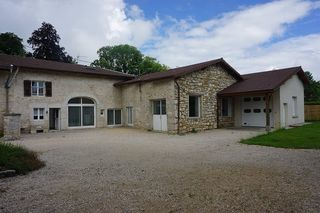 Maison en pierre SONTHONNAX LA MONTAGNE 196 m² ()