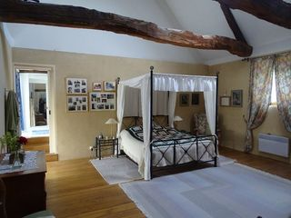 Maison IRODOUER 400 m² ()