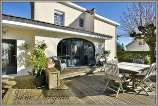 Maison contemporaine CHATELLERAULT 180 m² ()