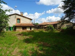 Maison de village BUNZAC 120 m² ()