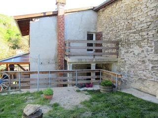 Maison de village JUJURIEUX 103 m² ()