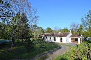 Maison plain-pied SAINTE FOY DE PEYROLIERES 164 m² ()