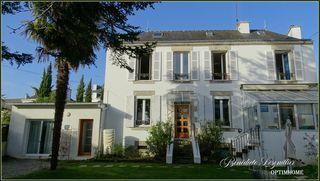 Maison VANNES 145 m² ()