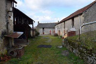 Maison à rénover MARTIGNE BRIAND 98 m² ()