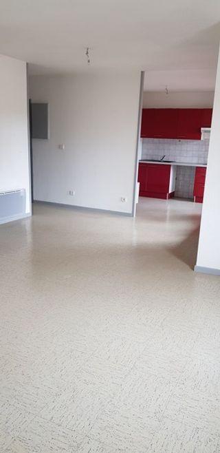 Appartement L'ISLE JOURDAIN 66 m² ()