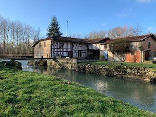 Moulin ALLIANCELLES 150 m² ()