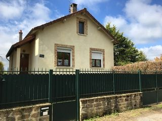 Maison CHATEAUPONSAC 100 m² ()