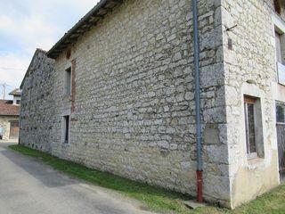 Grange DRUILLAT 272 m² ()