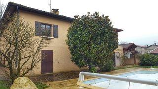 Maison CHAPONNAY 200 m² ()