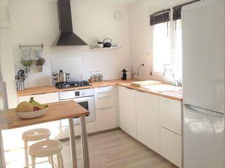 Appartement SAINT MITRE LES REMPARTS 65 m² ()