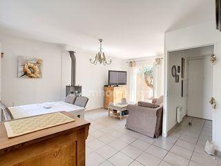 Maison SAINT CANNAT 65 m² ()