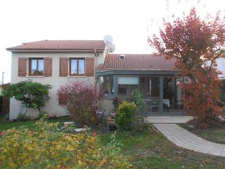 Maison contemporaine BOUXIERES AUX CHENES 156 m² ()