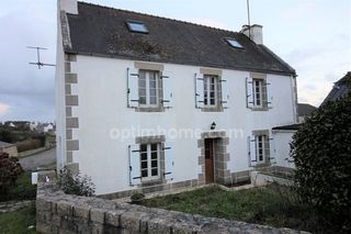Maison de village PLOZEVET 115 m² ()