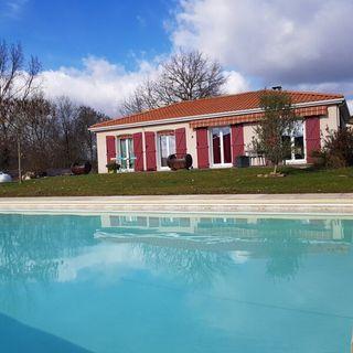Maison plain-pied POUYASTRUC 107 m² ()