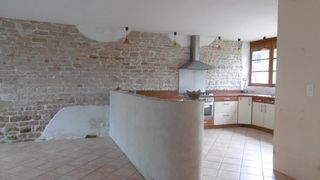 Maison de village Proche SENNECEY le GRAND 190 m² ()