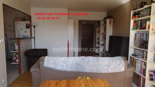 Appartement en résidence DOURDAN 64 m² ()