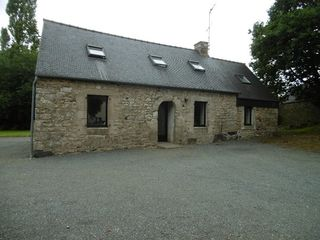 Maison en pierre PLOUMAGOAR 80 m² ()