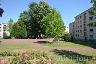Appartement BOURG LA REINE 74 m² ()