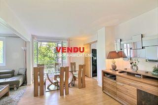 Appartement en résidence NANTERRE 80 m² ()