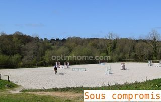 Haras / Equestre VANNES 180 m² ()