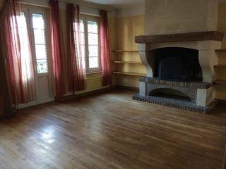 Maison de caractère LISLE EN RIGAULT 170 m² ()