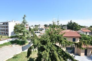 Appartement SAINT GENIS LAVAL 106 m² ()
