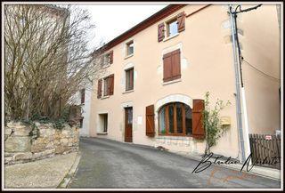 Maison de village VERTAIZON 185 m² ()