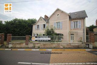 Maison de caractère SAINT CHERON 192 m² ()