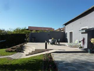 Maison VERNY 200 m² ()