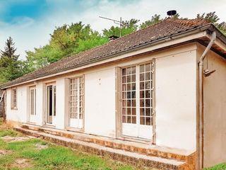 Maison BELLEY 90 m² ()
